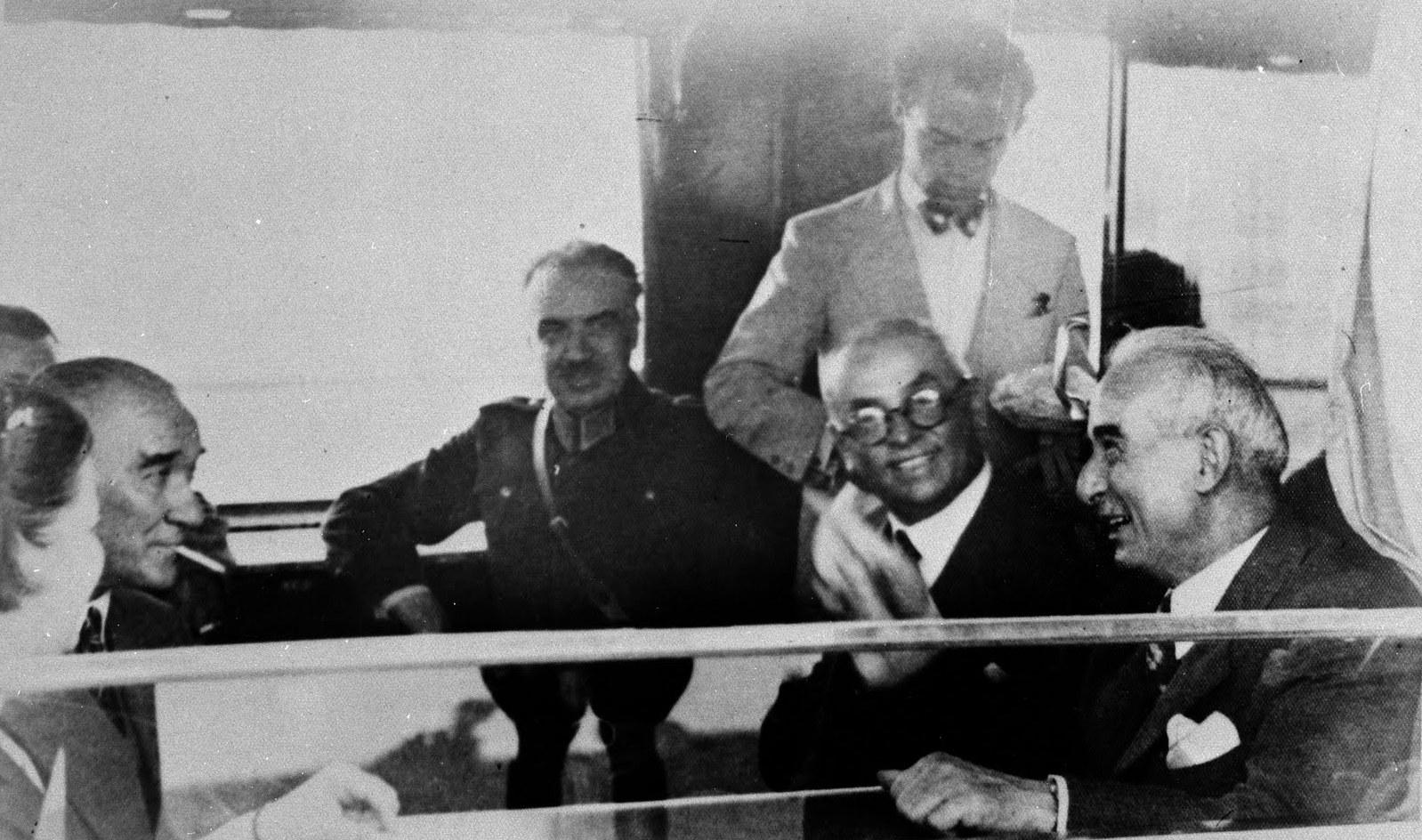 atatürk'ün vefatı sonrası iktidar savaşı ile ilgili görsel sonucu